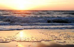 images/Fotos/Natur/Wasser/thumbs//farbspektrum-sunset-meer-rot.jpg