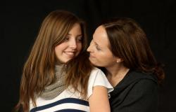 images/Fotos/Portraits/Familie/thumbs//farbsepektrum-mutter-tochter-portrait.jpg