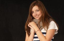 images/Fotos/Portraits/Familie/thumbs//farbspektrum-familie-teenager-girl.jpg