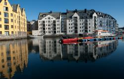 images/Fotos/Reisen/Norwegen/thumbs//farbspektrum-Alesund-Norwegen.jpg